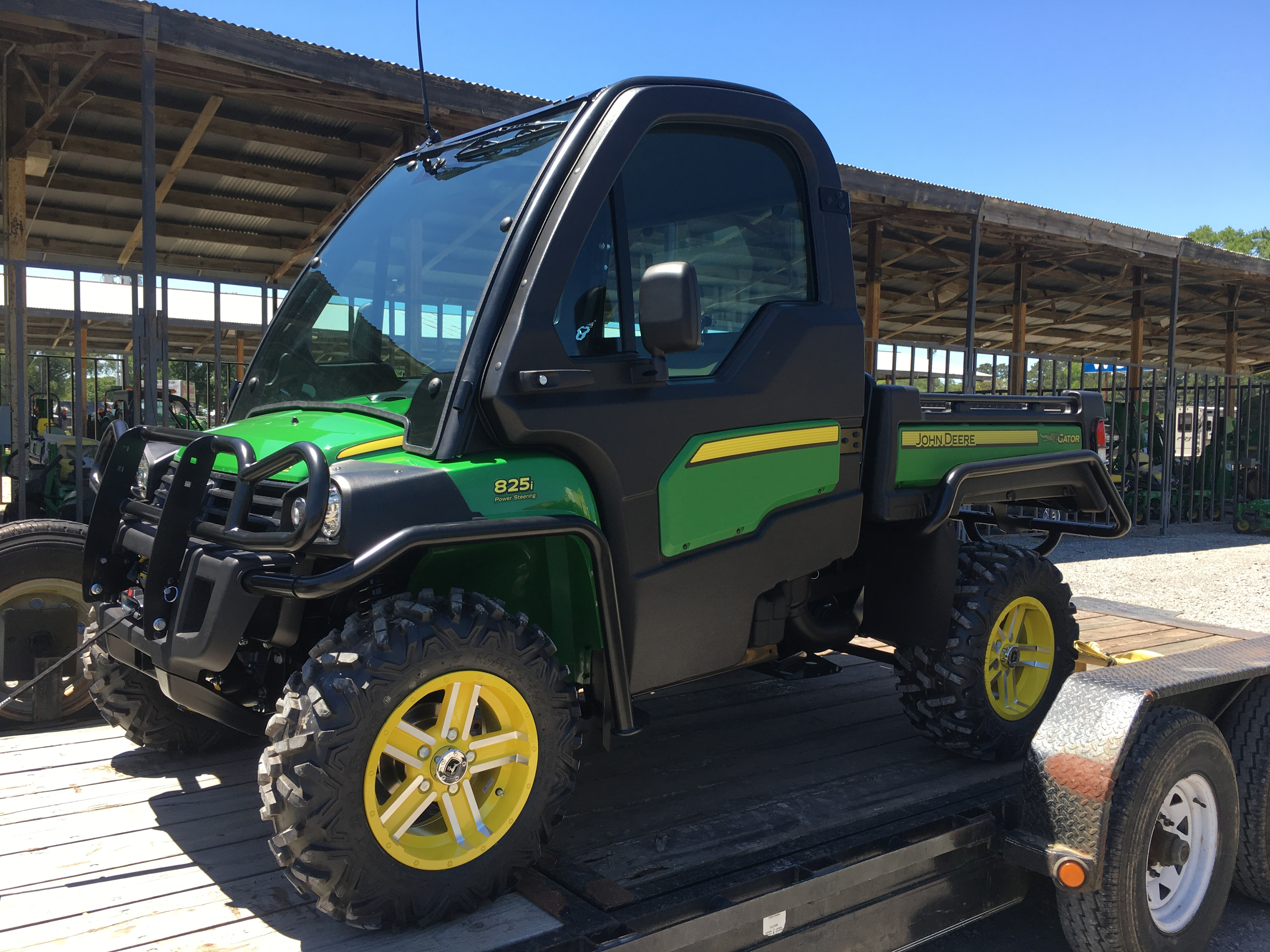 Hqdefault additionally D Hpx I Snow Plow Conversion Img together with  also Df Dbc D A Ff E C D Dc C   Srz moreover D My Gator I Image. on john deere gator 825i