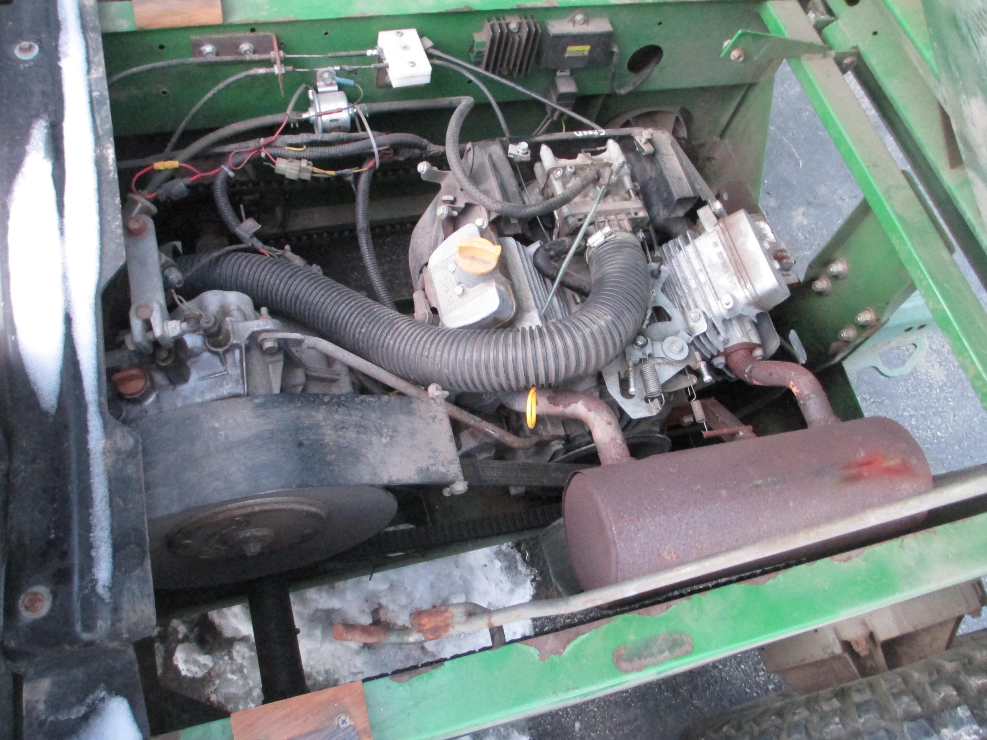 Gator 6x4 original engine vs B&S Vanguard - John Deere Gator